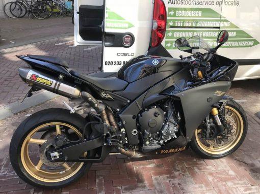 Yamaha motorfiets reinigen