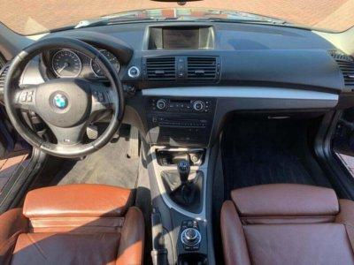Auto poetsen interieur exterieur